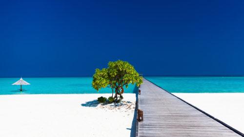 conrad-maldives-beach-wooden-walkway