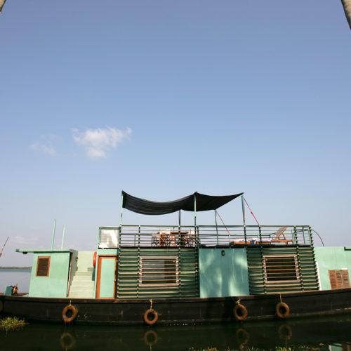 discovery-malabar-escape boat