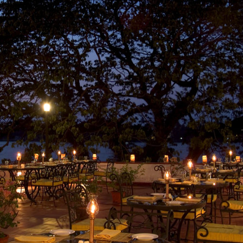 brunton-boatyard-dining-by-candle-light