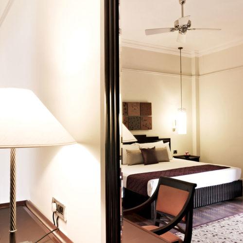 greaves_vivanta_by_taj_connemara_bedroom