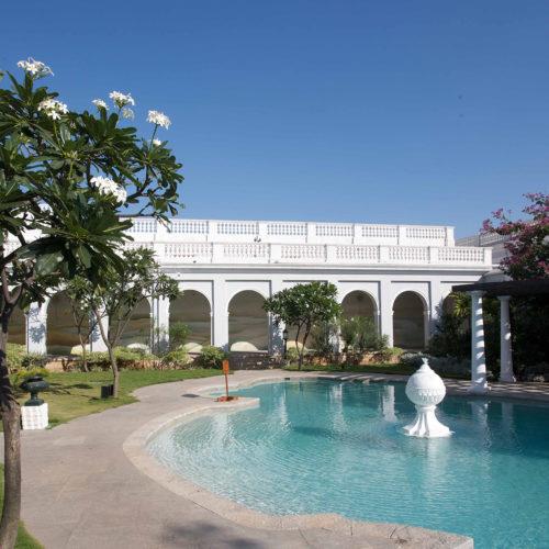 taj-falaknuma-palace-pool